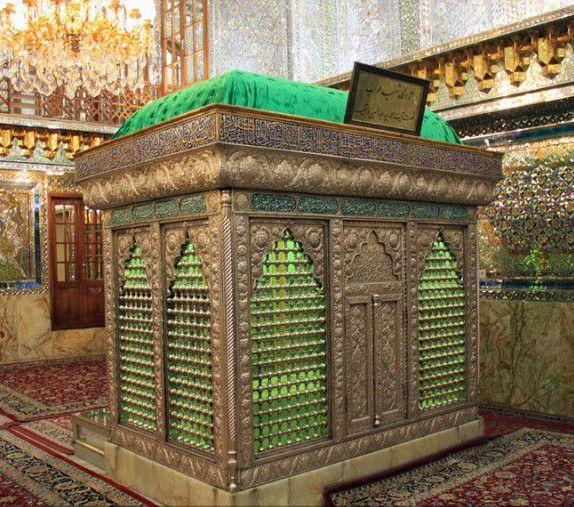 Tomb_of_Ayatollah_Dastghayb